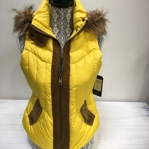 Black Rivet Yellow Puffer Vest Size Small